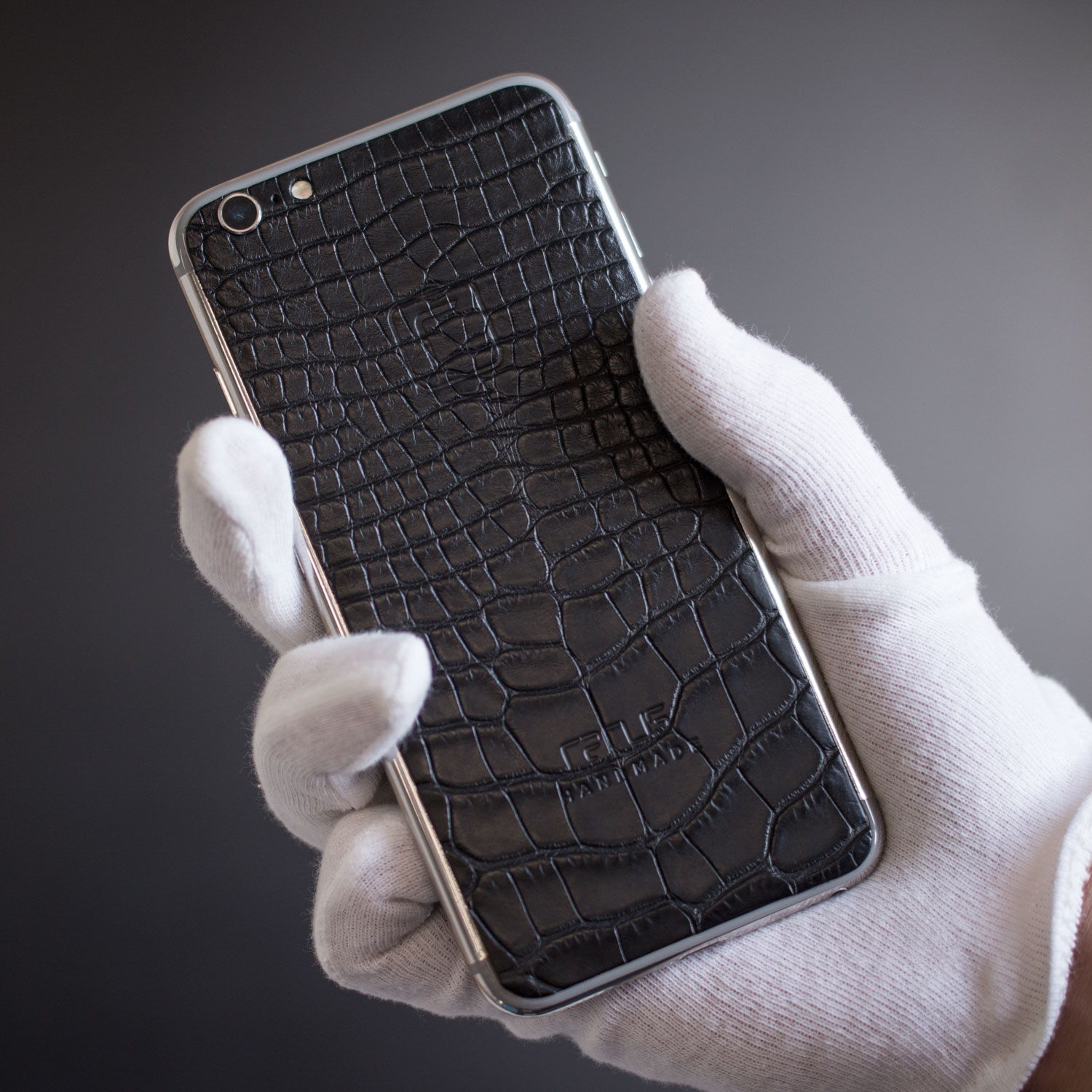 silver rhodium iPhone 6s withblack aligator leather